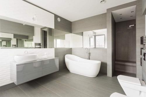 Natural Earth Colors Bathroom Interior Design Dubai