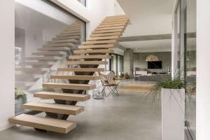 Villa Modern Staircase Interior Design Company in Dubai